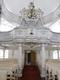 wnętrze kościoła organy.jpeg